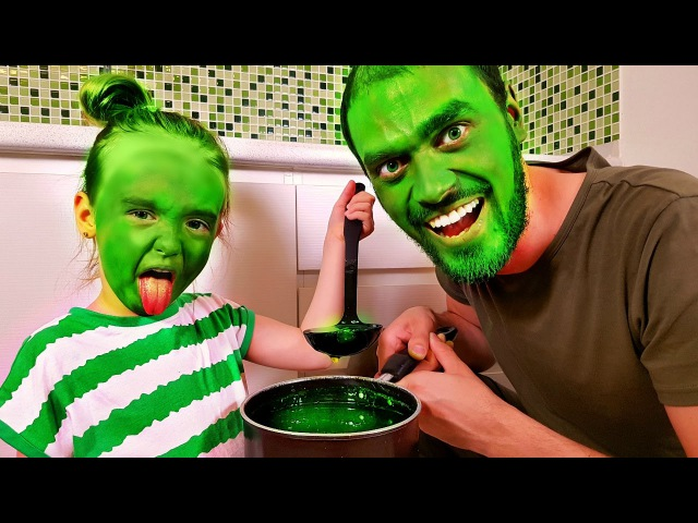Bad Baby Hulk vs Daddy Hulk Вредные детки Халки Superhero in Real Life