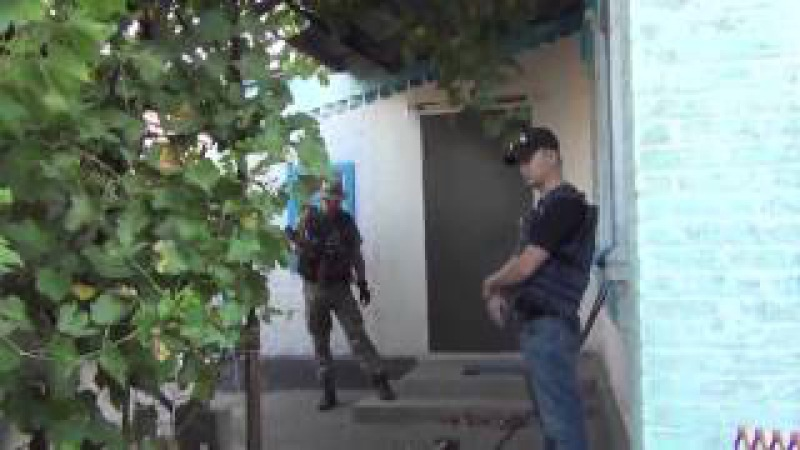 Украина Наемники хунты проводят карательные акции на подконтрольных территориях