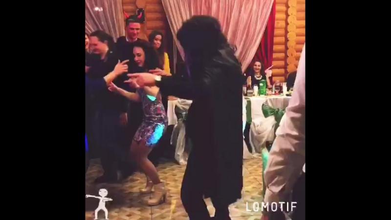Шаманские танцы поклонения молодоженам