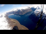 Her paraglider Jens Petter (50) i tre timer over fjelltoppene