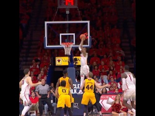 Arizona is putting on an alley-oop clinic.