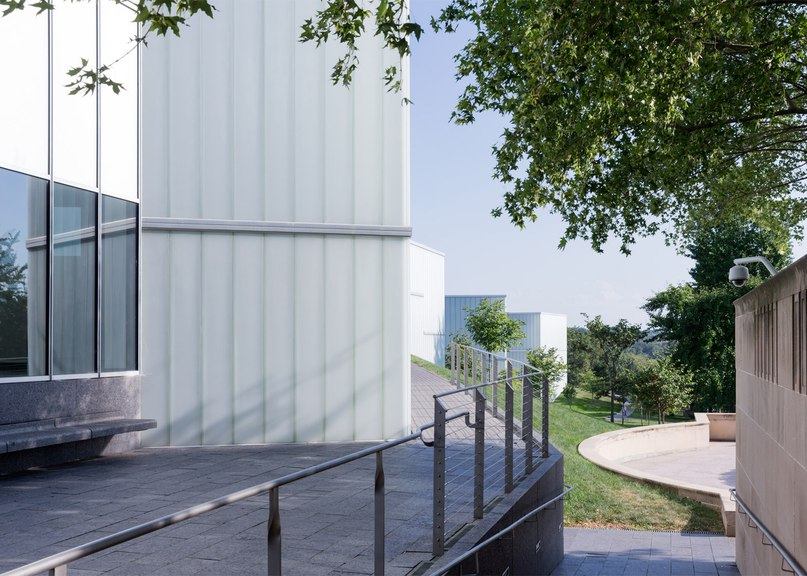 Steven Holl's Bloch Building in Missouri recaptured in photographs by Iwan Baan (Part 2)