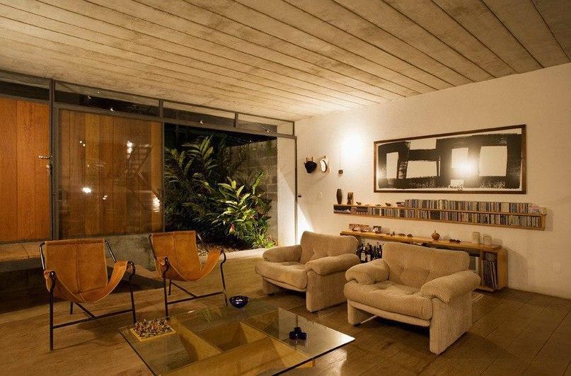 Juranda House от Apiacás Arquitetos  Кампания Apiacás Arquitetos разработала дизайн резиденции Juranda House, расположенной в Сан-Паулу, Бразилия.
