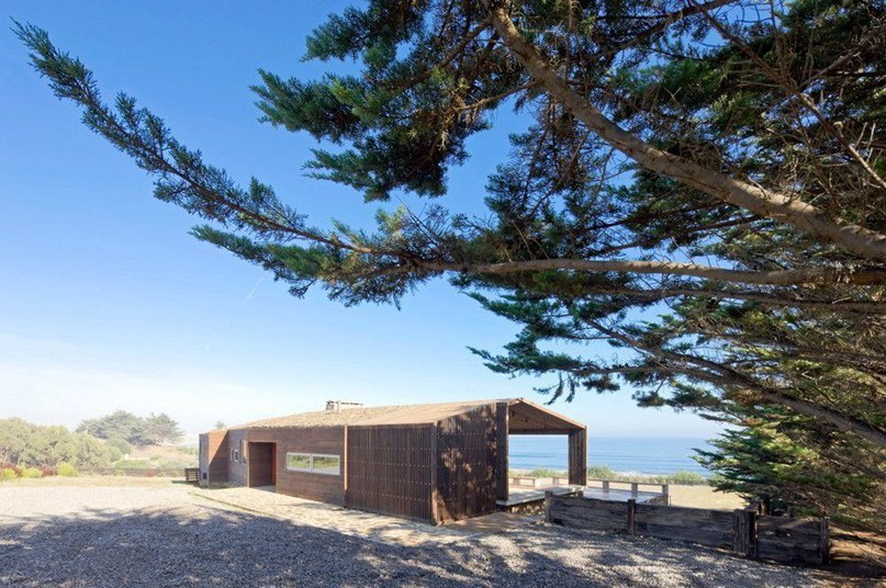 Дом для серфингиста на берегу океана в Чили