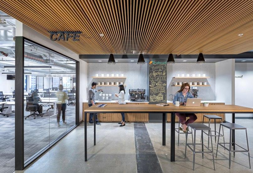Интернет-служба доставки Instacart пригласила архитектурную фирму Blitz разработать свой новый офис.