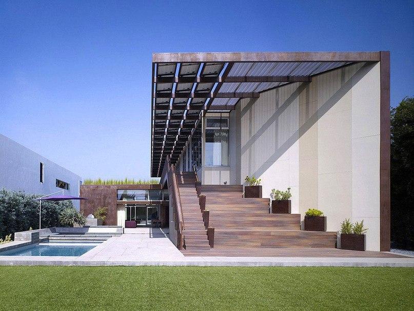 Дом для семьи с детьми в Лос-Анджелес  Частный дом Yin-Yang спроектирован архитекторами студии Brooks   Scarpa в районе Венис в западной части Лос-Анджелеса, штат Калифорния.