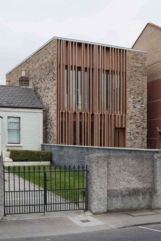 MCCULLOUGH MULVIN ARCHITECTS ONE UP TWO DOWN