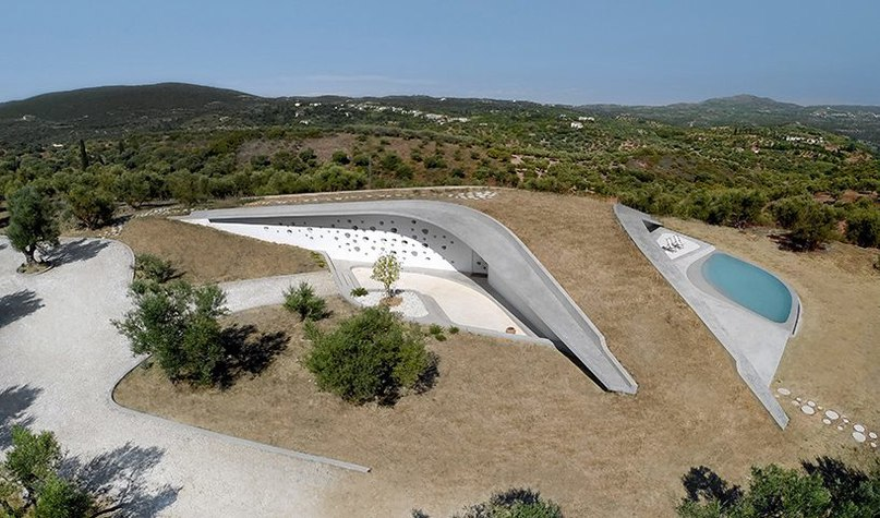 LASSA completes villa ypsilon as an extension of the greek landscape