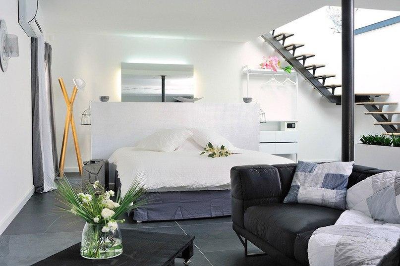 Отель Le Loft des Quais на юге Франции Отель Le Loft des Quais расположен в городе Арль на юге Франции.