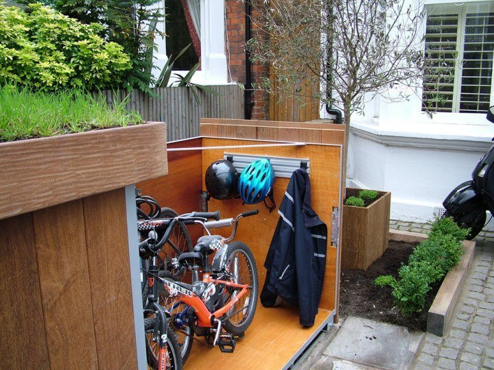 Уникальный гараж для хранения велосипедов.