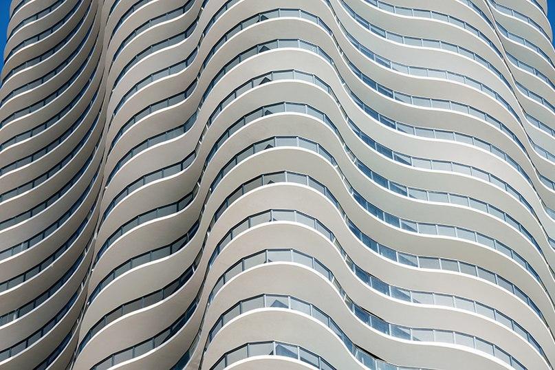 arquitectonica's regalia condominium tower in florida has undulating verandas
