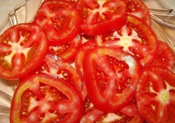 Помидоры в сырном кляре Ингредиенты: -3 средних помидора -150 гр