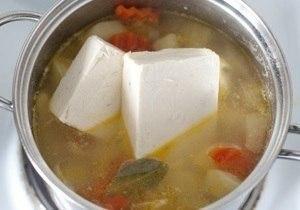 Сырный суп (с плавленным сырком) с курицей Ингредиенты: -Куриная