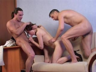порно развели на групповушку смотреть