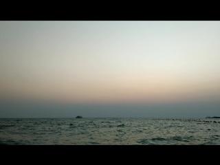 Бушует море, как и душа.