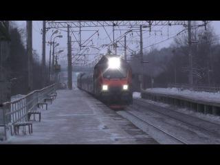 """Электровоз ЭП20-039 с фирменным поездом """"Полонез"""""""