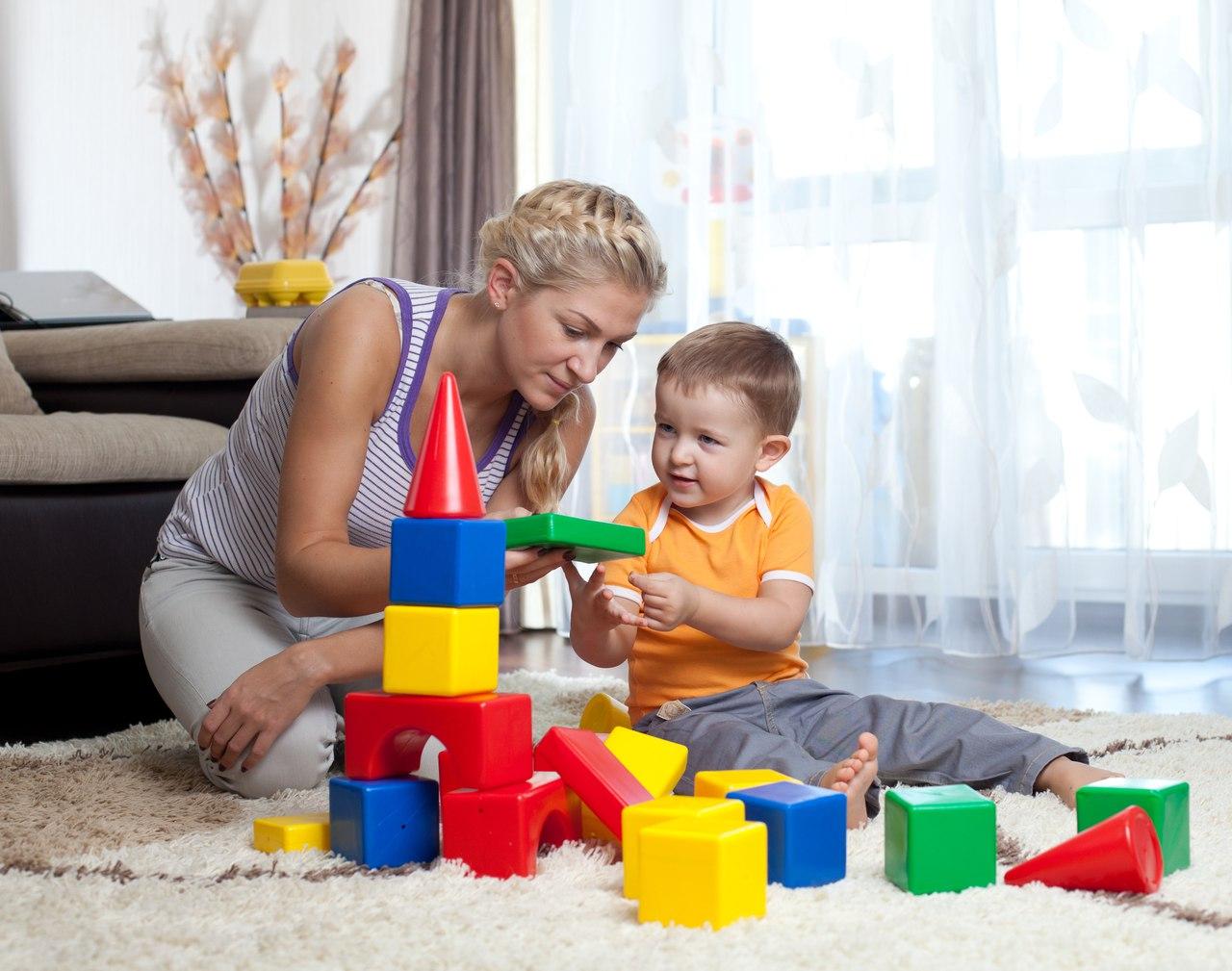 Убирать детские игрушки