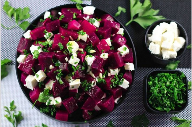 Салат из феты и свеклы