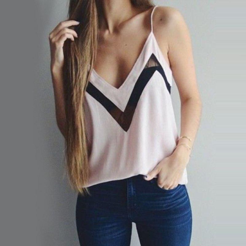 Блузы с V-образным вырезом