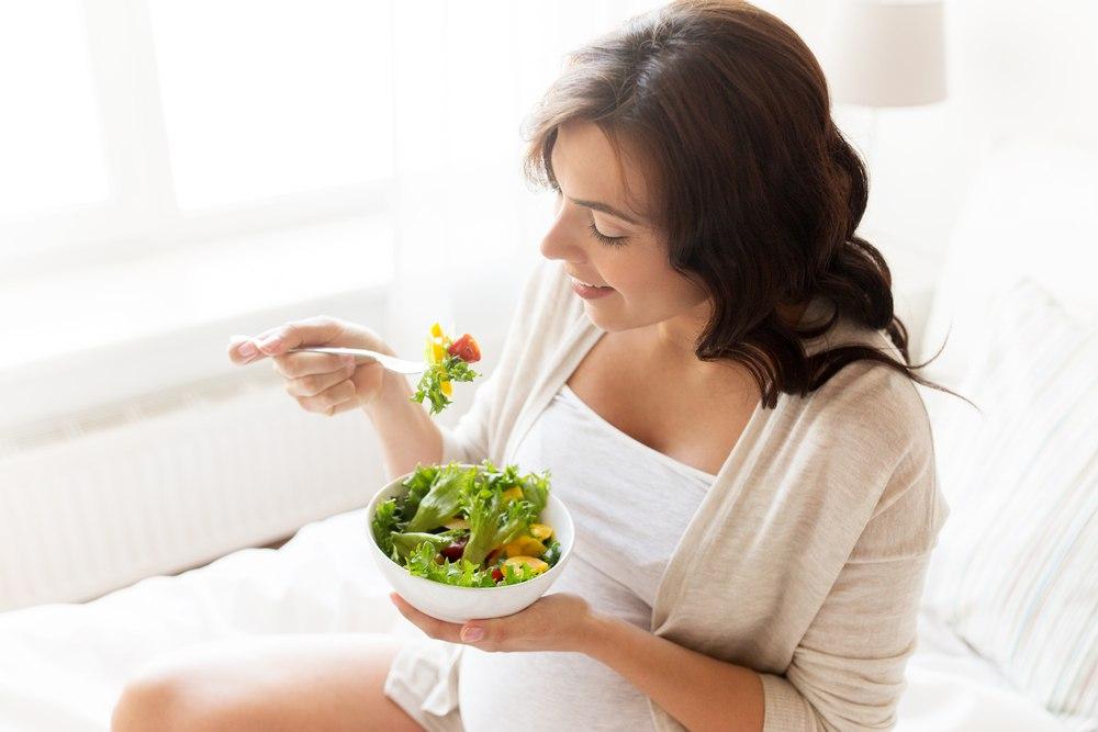 Переходить во время беременности на вегетарианство строго запрещено