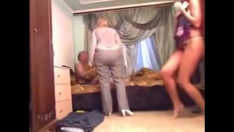 Спалились на измене порно видео