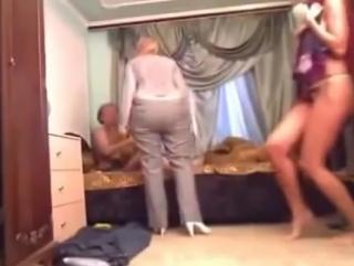 Жена застукала мужа за изменой. (Смотреть до конца)