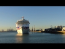 EPIC HORN FAIL! ORIANA Departs Southampton (25-11-2016)