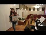 Девушки сыграли на скрипке и пианино Саундтрек к Пиратам Карибского Моря