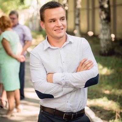 Александр Лозовский