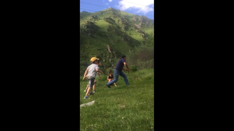 В футбол с дядями )