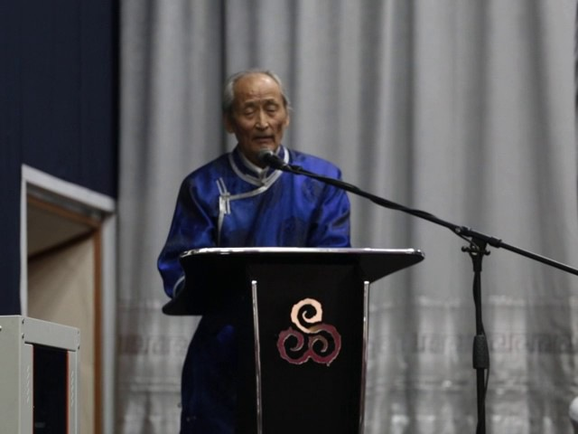Народный писатель Тувы Черлик-оол Куулар в День тувинского языка