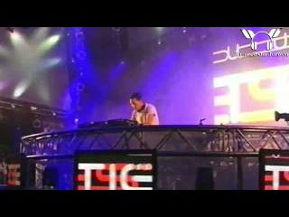 Tiesto LIVE - A Tear In The Open + Love Comes Again @Pinkpop 2004