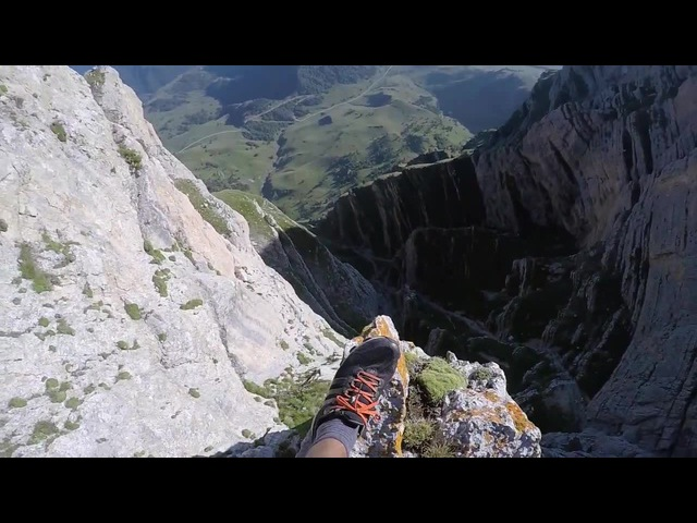 Caucasus - wingsuit flyght