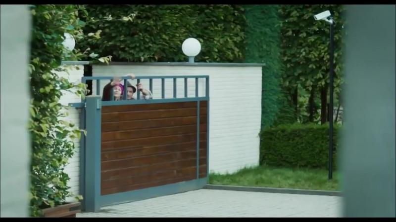 Безумные соседи — Русский трейлер 2017 (online-video-cutter.com)
