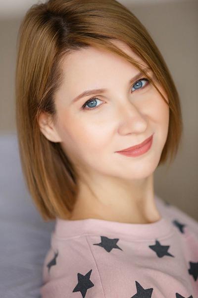 Елена Шекер
