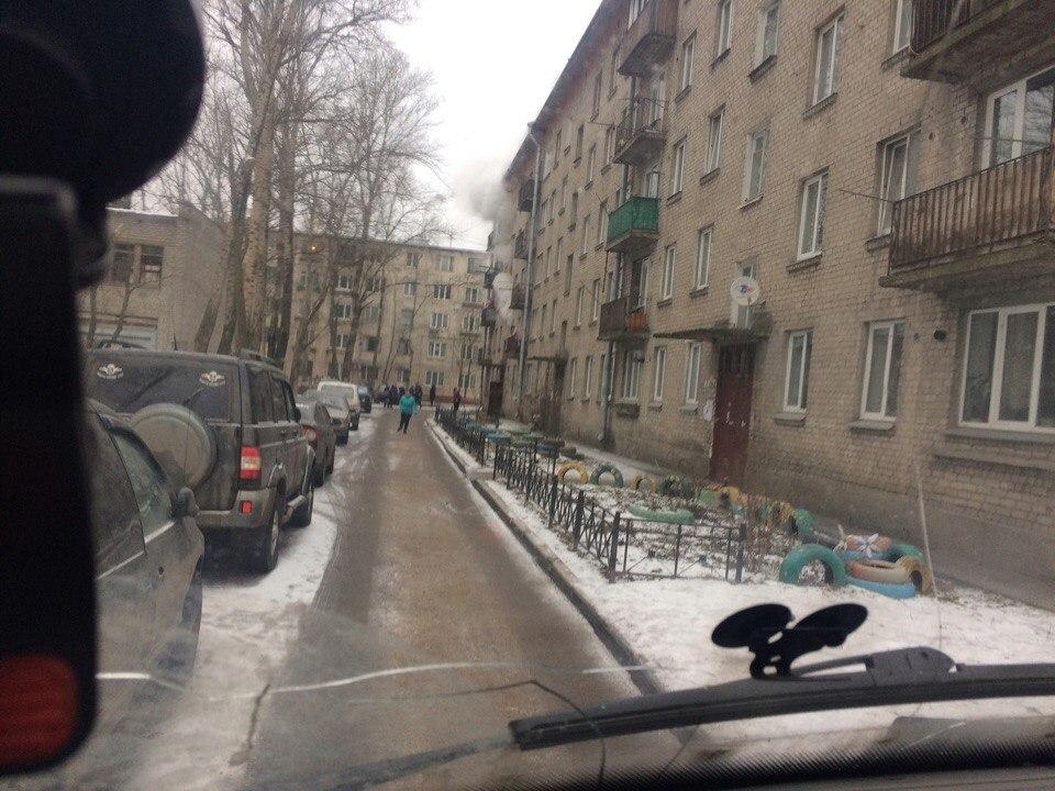 Изгорящей квартиры вовтором Рабфаковском потрубе спустился человек— свидетели