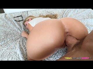 Jessa rhodes bares it all for johnny - pornhub.com