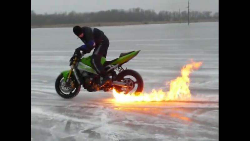 Backa Topola - Stunt On Ice 8