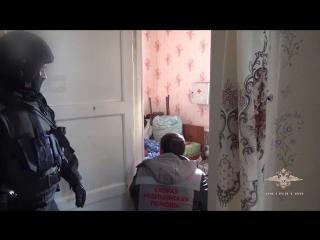 Освобождение 13-летней заложницы (6 sec)
