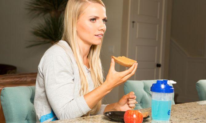 mbFrLTOD6SY Как сжигать жир и продолжать есть углеводы