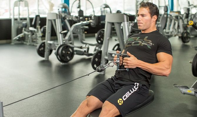oRb9kYnrEAo 10 лучших упражнений на блоках для мышечного роста