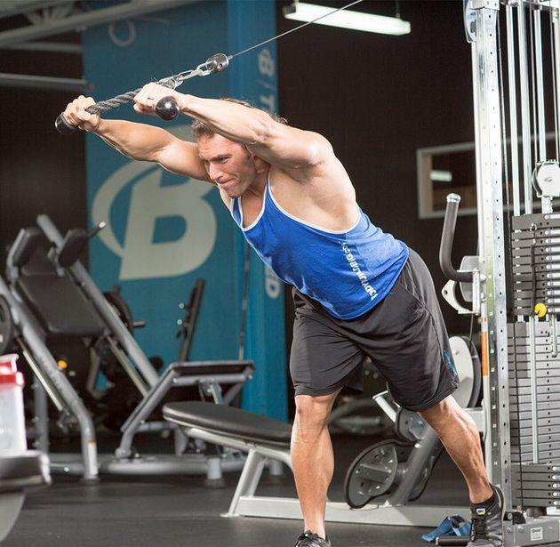 t2McWzC5ITg 10 лучших упражнений на блоках для мышечного роста