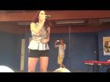 Molly Sanden -