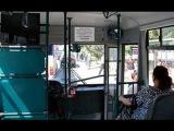 Bakıda avtobusda qoca kişi cavan qızın arxasını əllədi +18