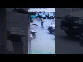 В сети появилось видео циничного террористического акта убийства Дениса Вороне...