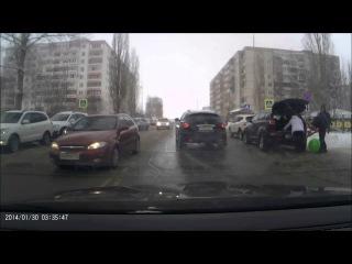 Старый Оскол 16 01 2017г Дорога, слева школа, справа садик!