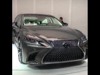 New Lexus LS500 (2018)