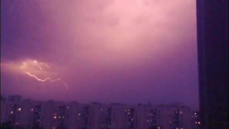 Грозы ⛈ это мой страх и моя безмерная любовь 🖤... Москва 04.08.2017