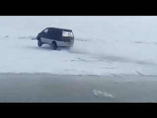 В Якутии микроавтобус ММС