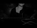 Твои карие глаза\девушка поет и играет на гитаре